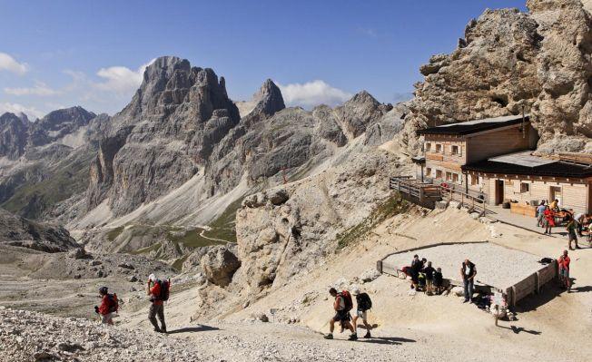 Pio Geminiani, Soggetto: Val di Fassa – Rifugio Passo Principe