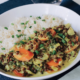 Zuppa vegana in stile vietnamita
